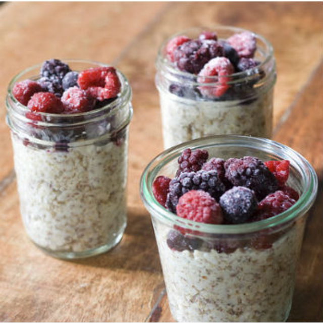 Skinny Overnight Oats in a Jar | Blessed with Two